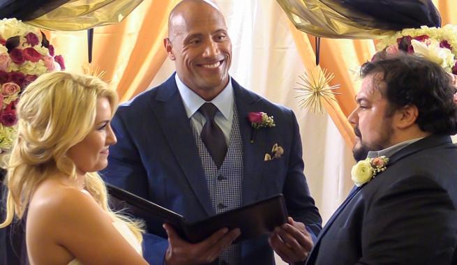 Dwayne Johnson udzielił ślubu superfanowi! Zobacz wideo