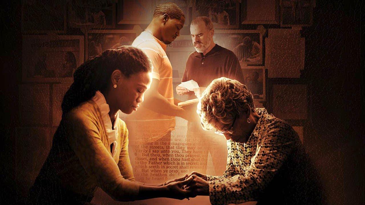 """Box Office: Chrześcijański """"War Room"""" pokonuje """"Straight Outta Compton"""""""