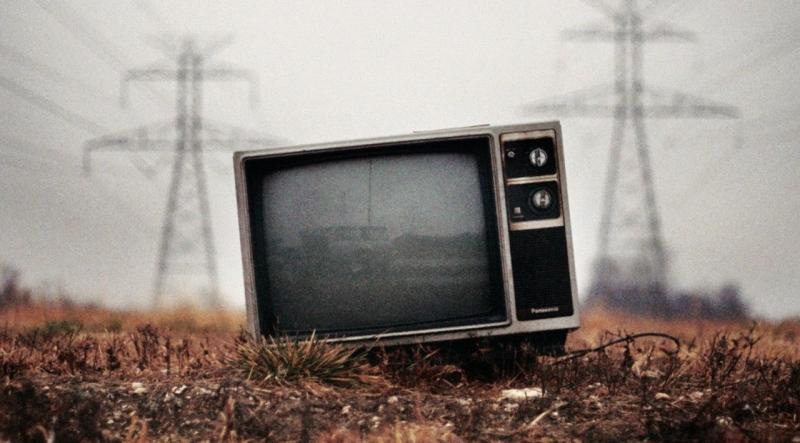 Dlaczego telewizję ogląda coraz mniej ludzi?