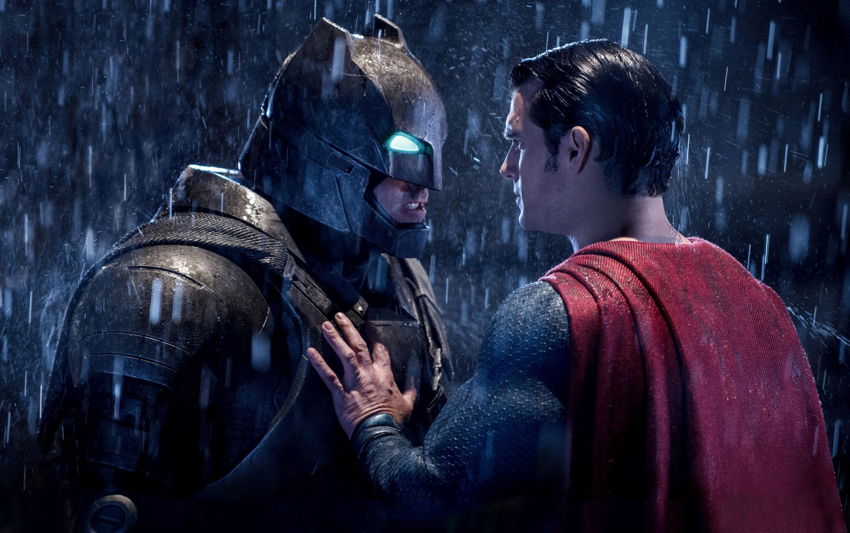 Warner Bros. zmienia strategię przez Batman v Superman