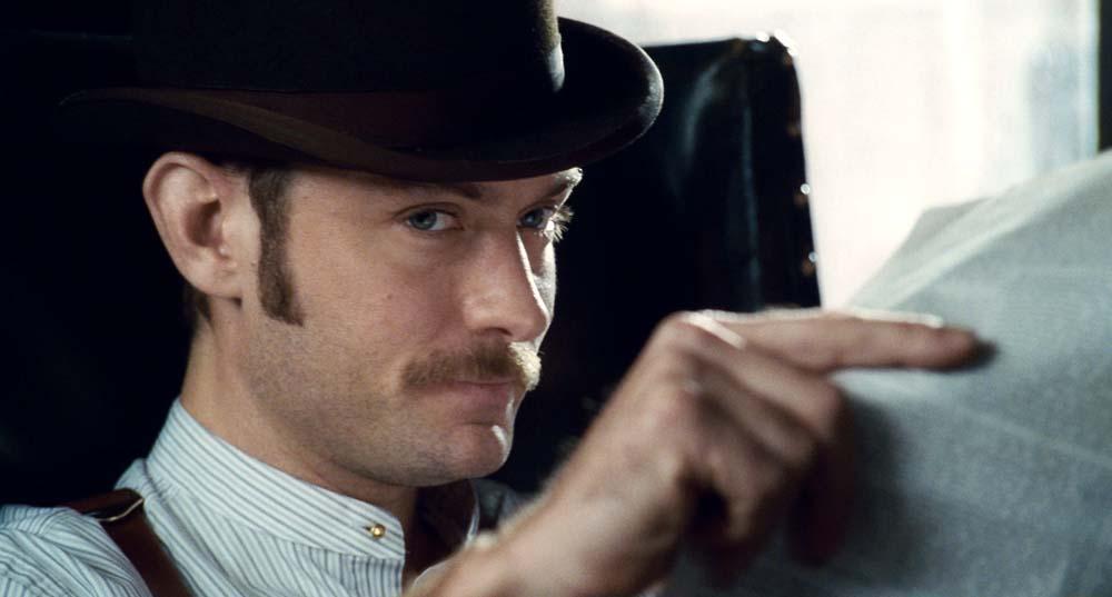 Jude Law zdradza, kiedy rozegra się akcja filmu Sherlock Holmes 3