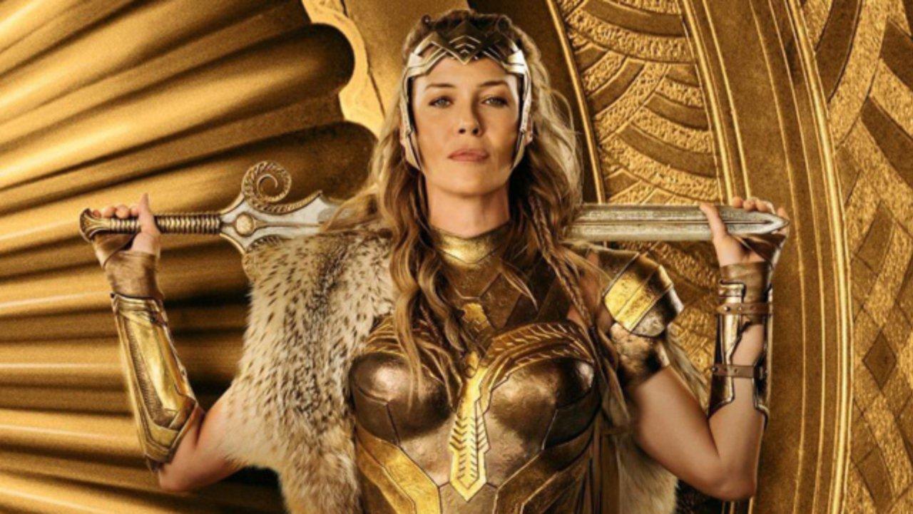 Tak pierwotnie miała wyglądać Hippolita i Amazonki w Wonder Woman – zobacz szkice