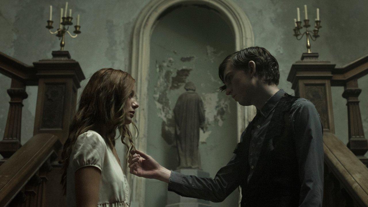Gotycki horror The Lodgers. Jest pierwszy zwiastun