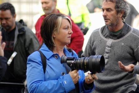 Rosemary Rodriguez za kamerą filmu Grandma's Shoes From Poland