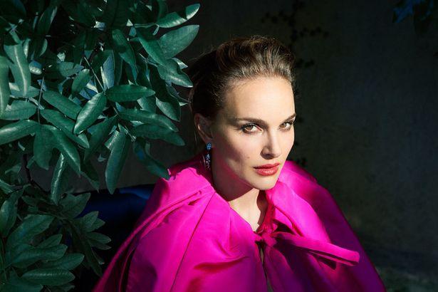Przepiękna Natalie Portman promuje Pale Blue Dot. Zobacz zdjęcia