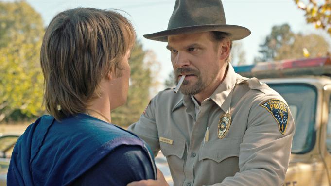 Stranger Things - David Harbour ujawnia nowe szczegóły wątku Hoppera w 4. sezonie serialu