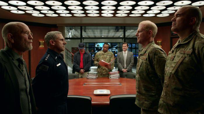 Siły Kosmiczne - pierwsze recenzje serialu Netflixa w sieci. Czy to dobra produkcja?