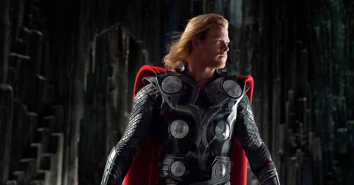 Thor - gwiazda Chirurgów jako bohater na wczesnym szkicu koncepcyjnym z filmu