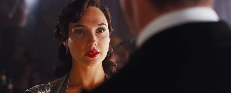 """Śmierć na Nilu - zobaczcie nowe zdjęcie z filmu. Reżyser zapowiada """"pełną pożądania"""" atmosferę"""