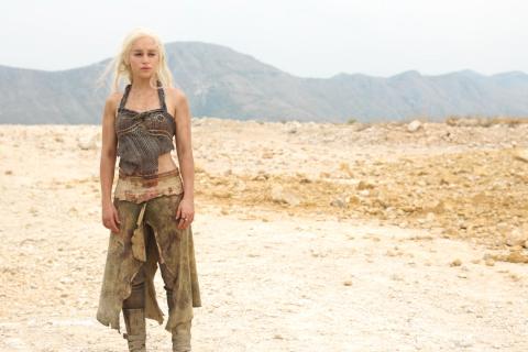 """Emilia Clarke z """"Gry o tron"""" w thrillerze """"Voice from the Stone"""" – zdjęcie"""