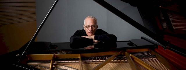 Zawsze fascynowała mnie magia – wywiad z Jamesem Newtonem Howardem, kompozytorem muzyki filmowej