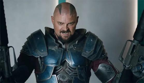 Karl Urban jest fanem MCU. Aktor o swoim angażu do Thor: Ragnarok