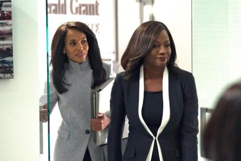 Olivia i Annalize na nowych zdjęciach z crossovera Skandalu i Sposobu na morderstwo