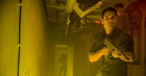 Michael Peña i wizje ataku obcych. Zwiastun filmu Zagłada od Netflixa