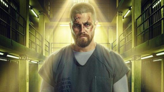 Arrow – Oliver okłada wroga nawet pod prysznicem. Zobacz teaser