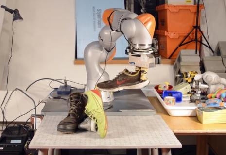 Naukowcy uczą roboty, jak należy widzieć