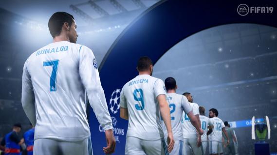 Robert Lewandowski jednym z najlepszych zawodników w grze FIFA 19