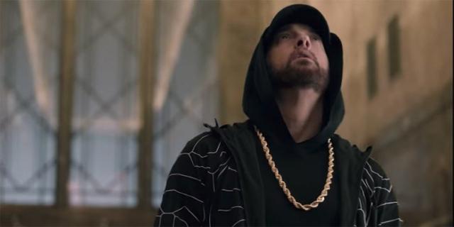 Eminem rapuje Venoma na dachu Empire State Building