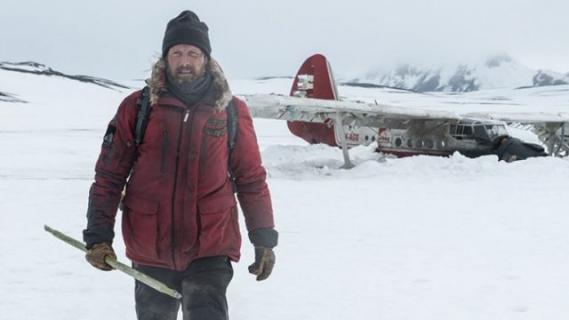 Arktyka – polski zwiastun i plakat dramatu z Madsem Mikkelsenem