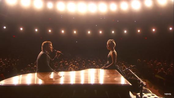 Lady Gaga i Bradley Cooper są razem? Gaga o kulisach występu na Oscarach