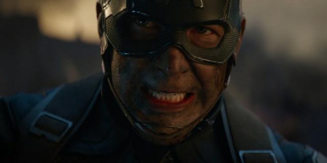 Avengers Koniec gry - czy Kapitan Ameryka spotkał (SPOILER) w czasie podróży?