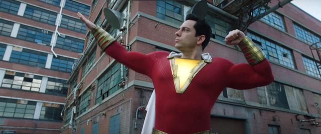 Shazam! – Zachary Levi odsłonił statuę bohatera w Meksyku