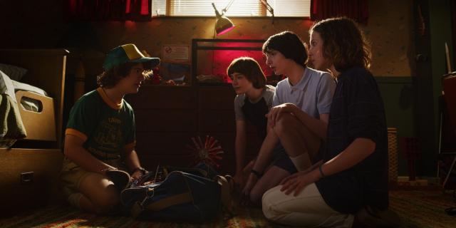 Stranger Things - nowa wersja retro-reklamy Coli promującej 3. sezon