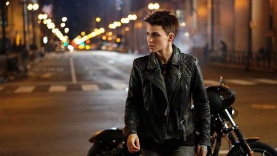 Batwoman - nowy teaser serialu z Ruby Rose od The CW