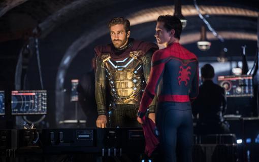 Spider-Man: Daleko od domu - aktorzy w kostiumach u dzieci w szpitalu. Prawdziwi superbohaterowie