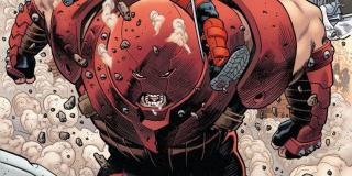 Juggernaut - znany z filmów o X-Men złoczyńca, brat Profesora X, obdarzony potężną siłą fizyczną - najczęściej taranuje swoich wrogów; jego hełm ma go chronić przed telepatycznymi mocami brata