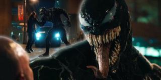 """W jednej ze scen Venom wypowiada zdanie: """"Oczy, płuca, trzustki. Tak wiele przekąsek... Tak mało czasu"""" - to słynna komiksowa fraza symbionta, której używa począwszy od zeszytu """"Amazing Spider-Man #374"""" - po raz pierwszy wypowiedział ją właśnie w kierunku Pajączka"""