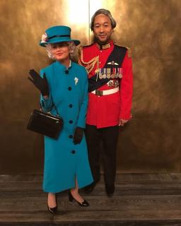 John Legend i Chrissy Teigen jako książę Filip i królowa Elżbieta