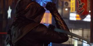 Zarówno Lopez, jak i Barton w roli Ronina używali innych narzędzi walki - były to głównie katana, nunczako i gwiazdki ninja