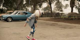 Kolejne ujęcie przedstawiające dzieciństwo Carol - najprawdopodobniej Danvers przypomina je sobie w formie przebłysków pamięci