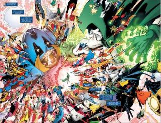 """Monitor wspomina, że """"nadchodzi ktoś jeszcze potężniejszy"""" - to nawiązanie do Anti-Monitora, wszechpotężnego złoczyńcy znanego m.in. z Kryzysu na nieskończonych Ziemiach; co ciekawe, w komiksach doprowadził on do śmierci zarówno Flasha, jak i Supergirl"""