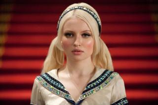 Emily Browning jako Bella Swan