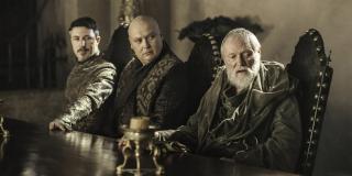 Grono maestrów manipuluje działaniami wojennymi, aby raz na zawsze pozbyć się magii z Westeros