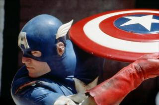 Zanim Evans przyjął rolę, jak sam przyznaje, nigdy nie był fanem ani Kapitana Ameryki, ani komiksów jako takich