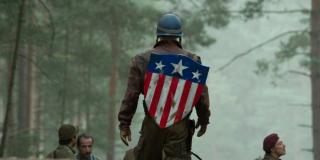 Choć MCU sugeruje, że Cap jest pierwszym z Avengers, w komiksach nie wchodził w skład oryginalnej drużyny