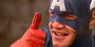 Evans jest 5. aktorem, który na ekranie sportretował Kapitana Amerykę; jako pierwszy w serialu z 1944 roku zrobił to Dick Purcell (co ciekawe, Cap w tej wersji był prokuratorem o imieniu Grant Gardner), a następnie w filmach zostali nim Aytekin Akkaya, Reb Brown i Matt Salinger