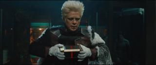 Thor: Mroczny świat - scena #1; Sif i Volstagg dają Kolekcjonerowi Aether