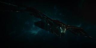 Zwiastun raz jeszcze potwierdza, że Tony i Nebula wydostali się z Tytana za pomocą należącego wcześniej do Strażników Galaktyki statku Benatar.