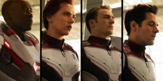 """Miały okazać się nieprawdziwe, a jednak pojawią się w filmie. Białe stroje herosów w opisach zabawek określone są jako """"zaawansowane technologicznie"""", a inspiracją dla nich jest """"jedna z bardziej zaawansowanych technologii w galaktyce"""" (lub po prostu ta zaprojektowana przez Hanka Pyma) – wielu z komentatorów uważa, że zostaną one wykorzystane do poruszania się przez Wymiar Kwantowy."""