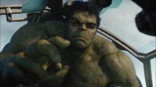 """Ruffalo wychodzi z założenia, że inni członkowie Avengers boją się Hulka i traktują go jak """"granat, który wrzuca się w środek walki, licząc na to, że rozrzedzi szyki wroga""""."""