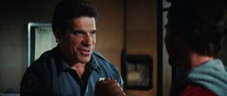 Głos samego Hulka jest tworzony przy pomocy głosu Lou Ferrigno, odtwórcy roli Zielonego Goliata w latach 70. – jego słowa zostają komputerowo nałożone na mowę Ruffalo.