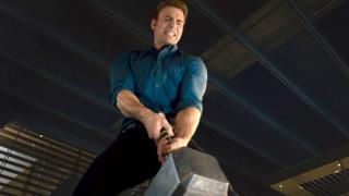 Kapitan Ameryka jest w stanie podnieść Mjolnir