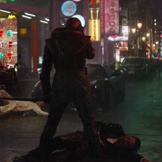 """Szefem yakuzy, któremu życie odbiera Ronin, jest postać grana przez Hiroyukiego Sanadę – to aktor znany z wielu filmów samurajskich (""""47 roninów"""", """"Ostatni samuraj""""), ale także z takich produkcji jak """"The Ring – Krąg"""" czy """"Wolverine"""" z 2013 roku."""