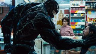 """W filmie znajdzie się odwołanie do """"Venoma"""", nawet pomimo faktu, że mamy tu do czynienia z osobnymi uniwersami. Według tej teorii w trakcie swoich podróży Peter miałby trafić do San Francisco i w jakiś sposób zostać powiązanym z działaniami Eddiego Brocka."""
