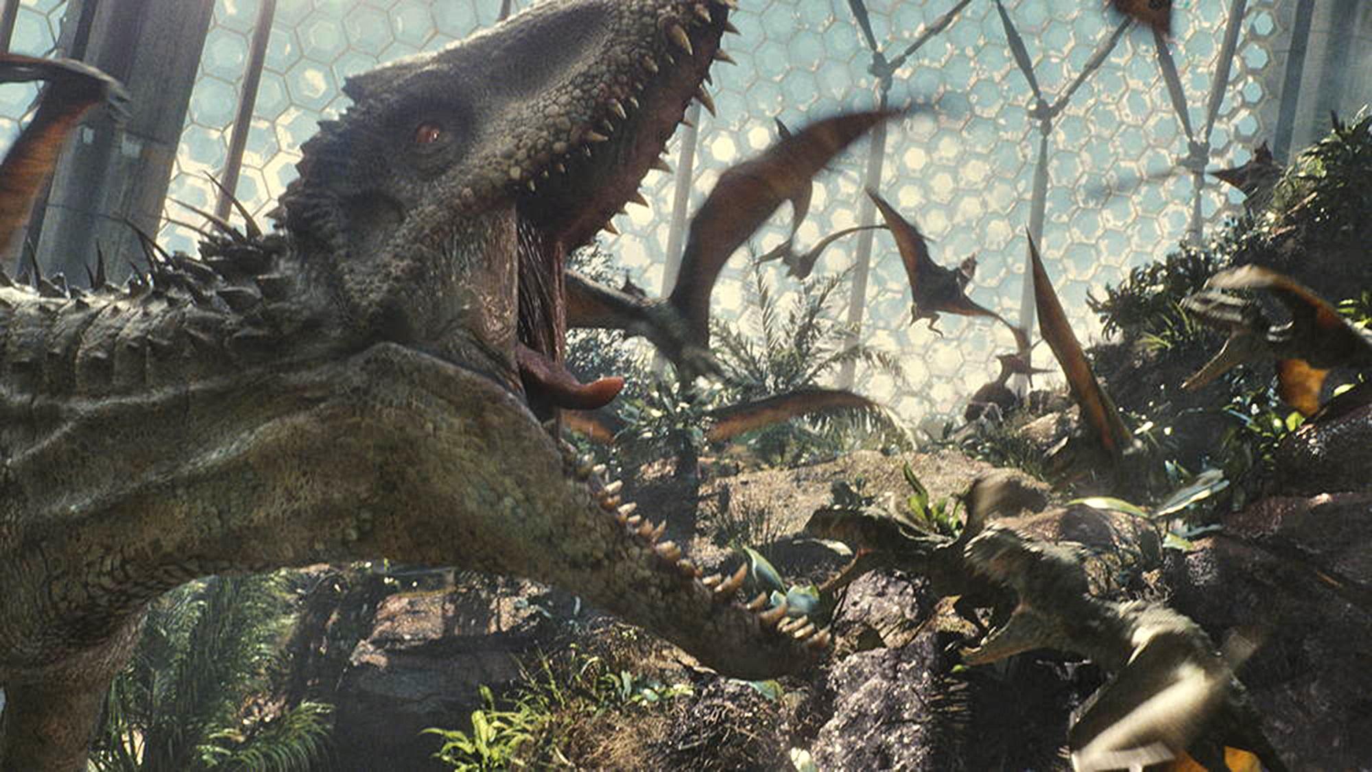 """Box Office: """"Jurassic World"""" bije rekordy wszech czasów. """"Avengers"""" pokonani!"""