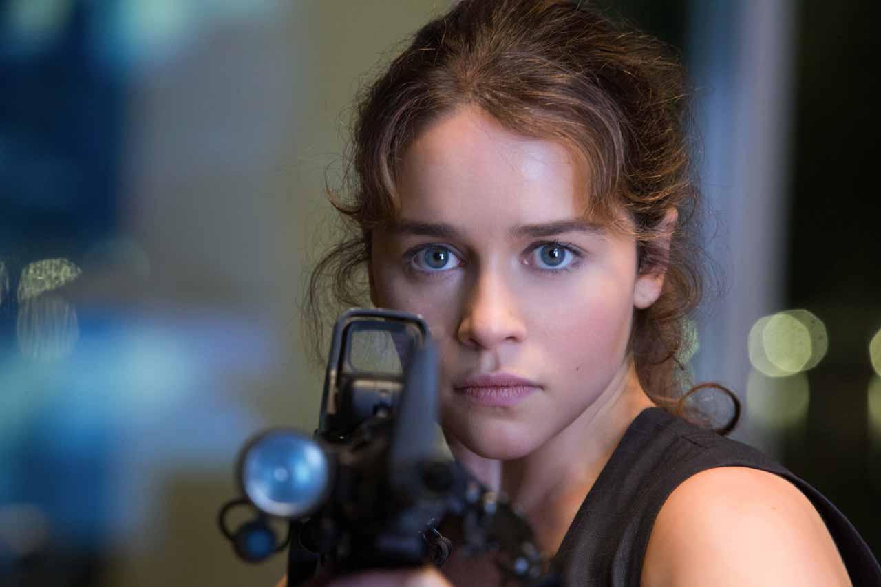 Emilia Clarke i Jack Huston w filmie Above Suspicion
